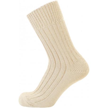 Světle béžová - GITA | Klasik - Silné žebrové ponožky ze 100% bavlny s velmi plochým švem a s nesvíravým lemem. Ponožky jsou vhodné pro alergiky a všechny, kdo vyhledávají výrobky bez jakýchkoliv příměsí nebo umělých vláken. V provedení barvy smetanové - režné a v odstínech šedé, černé a tmavě modré.