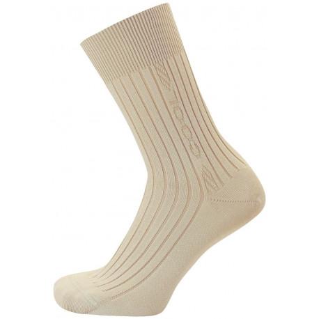 Světle béžová - KAREL COOL AB - 2. jakost - Oblíbené ponožky s jemným žebrem a nesvíravým lemem. Obsahují kapsle s antibakteriálními nano částicemi stříbra a s chladivou úpravou Cool efekt vyvinuté na bázi přírodních extraktů. Výborné ponožky do sportovních bot na běh, tenis i fitness. Výrobky 2. jakosti mají pouze pohledové vady. Funkčnost ponožek není nijak omezena.