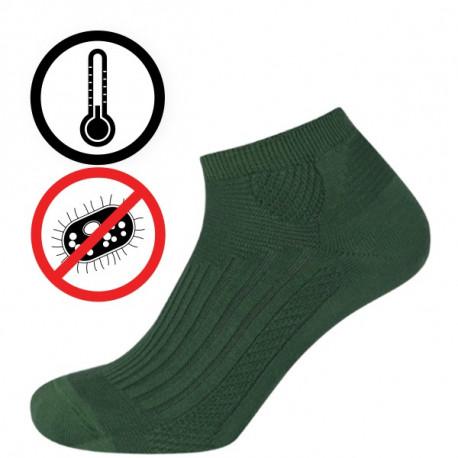 Outdoor CL AB nízké - 2. j. - COOL AB NÍZKÉ - 2. jakost - Kotníčkové chladivé ponožky s antibakteriální úpravou. Funkční úpravy na bázi rostlinných esencí a nano částic stříbra eliminují pocení a riziko vzniku kožních onemocnění. Anatomický zónový design. Funkční polypropylen odvádí vlhkost od pokožky. Výrobky 2. jakosti mají pouze pohledové vady.